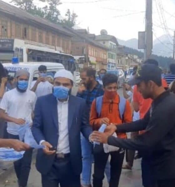 Islamic Fraternity distributes masks